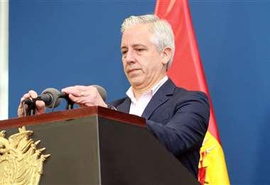 El vicepresidente en una declaración ante los medios este martes. Foto: ABI