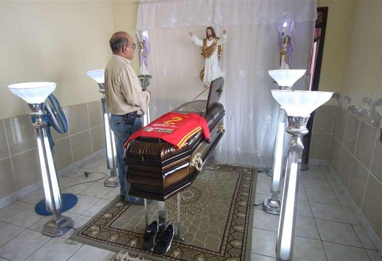 El velorio de Mario Salvatierra se realiza en Montero. (Foto: Hernán Virgo)