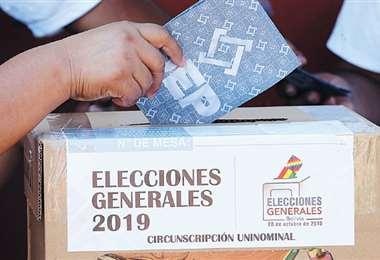 La jornada electoral fue tranquila. En su informe, ese punto fue el único que valoró como positivo la misión de observación electoral de la OEA.