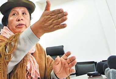 El domingo 20 de octubre, en conferencia de prensa, María Eugenia Choque anunció la paralización del TREP