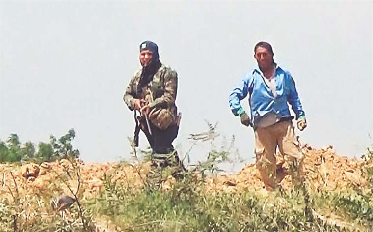 El individuo formaba parte del grupo que se enfrentó ayer a los cívicos que bloqueaban en el puente de la Amistad