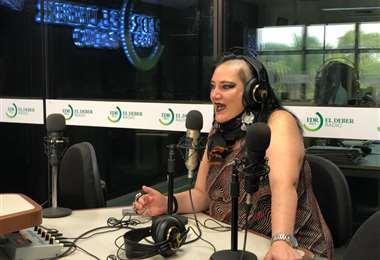 Galindo visitó este viernes los estudios de EL DEBER Radio. (Foto: Maria Trigo)