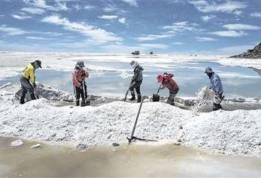La industrialización del litio es una de las apuestas de campaña del MAS para impulsar la economía nacional en los próximos años