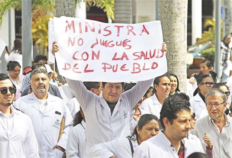 Para su puesta en vigencia, el Gobierno comprometió $us 200 millones y la creación de 8.000 ítems este año; para expertos la cifra no alcanza. Foto: Ricardo Montero