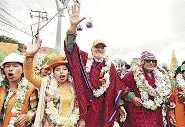 Carlos Mesa, candidato presidencial de Comunidad Ciudadana, estuvo en campaña por El Alto. Foto: APG NOTICIAS