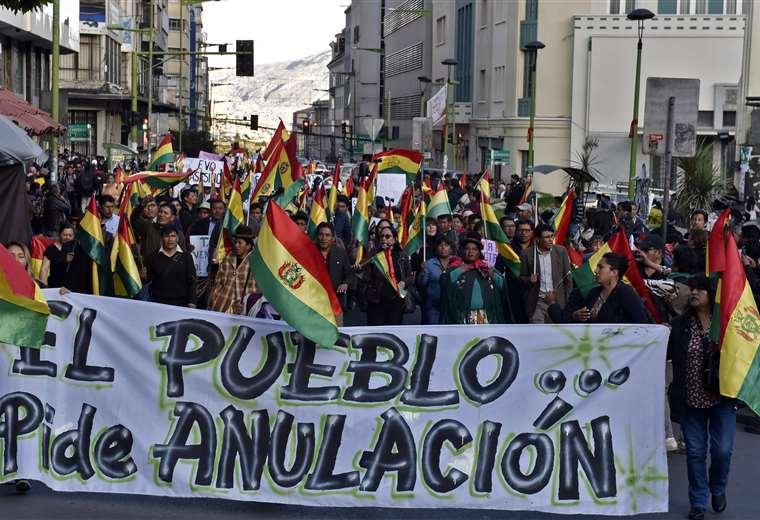 Marchas en todo el país exigen la anulación de las elecciones. Foto AFP