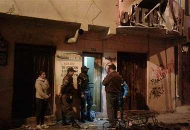 Varias personas ingresaron, jóvenes a la radio y televisión mega de propiedad del Alcalde de Oruro