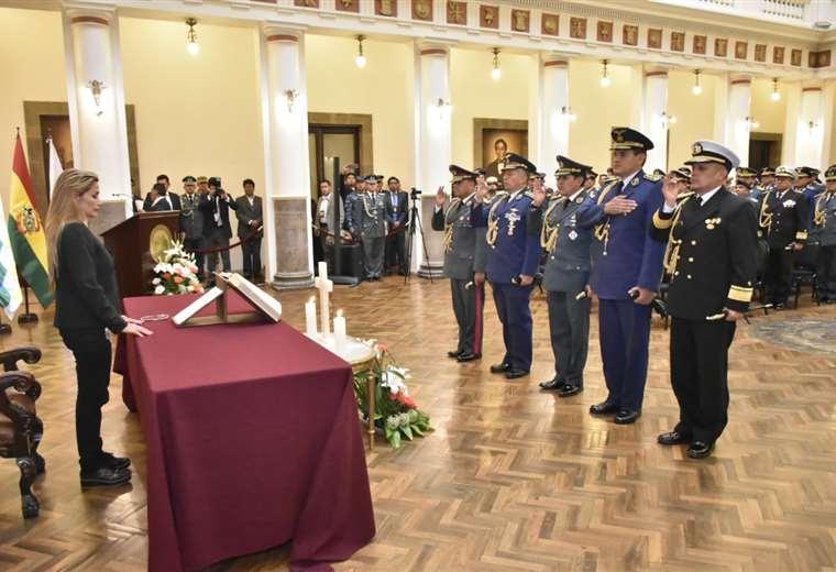 La posesión se dio este miércoles en Palacio de Gobierno. (foto: APG)