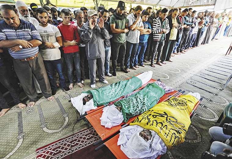 Los combates no cesan en la Franja de Gaza, donde gobierna Hamas, pero también actúa la Yihad Islámica