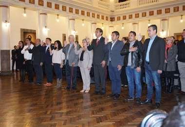 Once fueron los ministros recientemente posesionados. (Foto: APG)