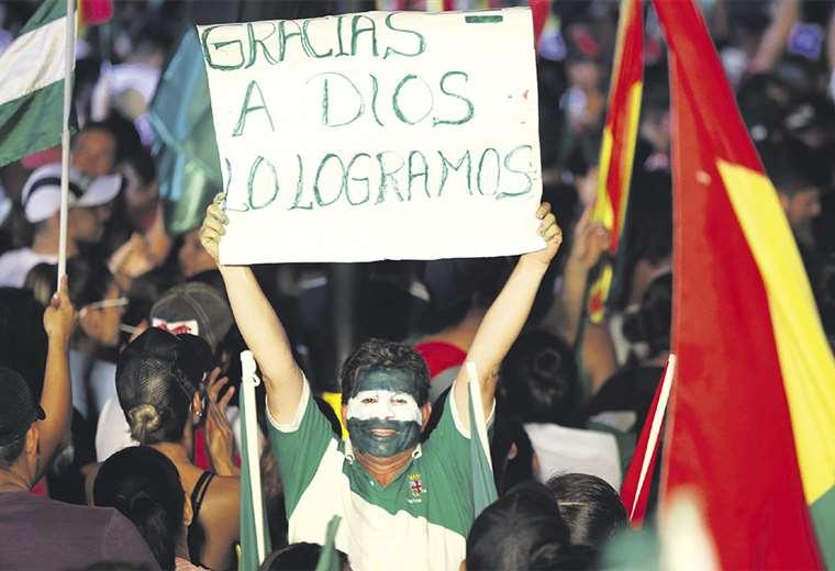 La institucionalidad de Bolivia fue golpeada por el régimen de Evo Morales. Analistas dicen que es necesario trabajar por la independencia de los poderes. Fotos: FUAD LANDÍVAR