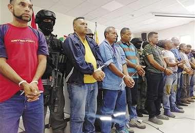 Policía presentó a nueve venezolanos sospechosos de sedición en Montero (Santa Cruz) y El Alto (La Paz). Se encontraban en Guayaramerín.