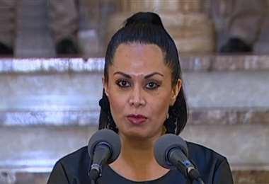 Roxana Lizárraga realizó el anuncio en conferencia de prensa (Foto: captura)