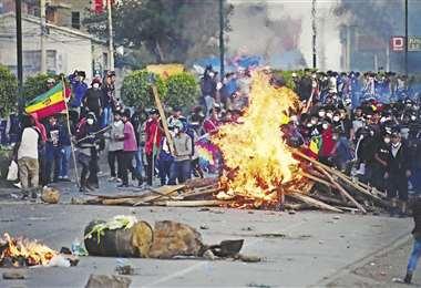 El sábado se registraron enfrentamientos en Sacaba, Cochabamba. Foto: Los Tiempos
