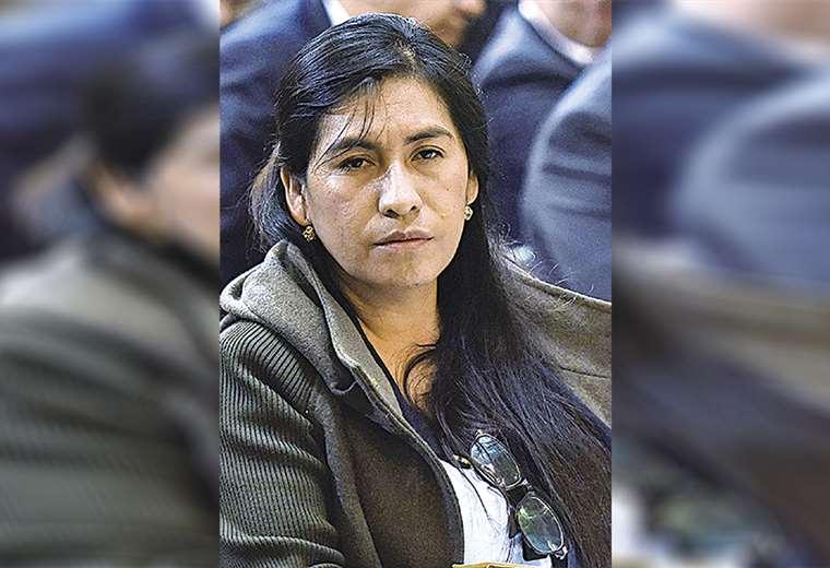 La vocal del TSE, Lidia Iriarte, tiene una orden de aprehensión