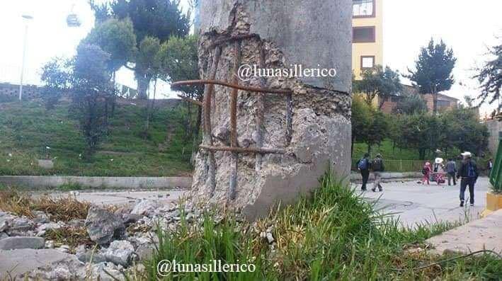 Así quedó el soporte del puente en El Alto