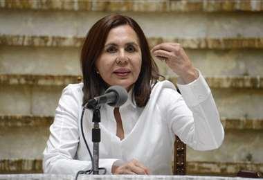 La ministra en conferencia de prensa I Foto: ABI.