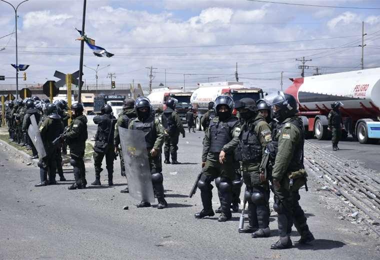 El convoy de carburantes salió antes del mediodía I Foto: APG Noticias.