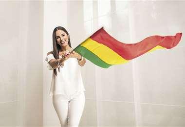 Gabriela es discreta para vestir, prefiere el blanco, negro y los colores suaves. Lo que nunca falta en su ropero son jeans y estiletos