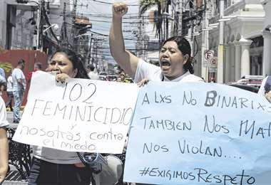 Las cifras de feminicidios no bajan del centenar de casos en los últimos cinco años . Foto: HERNÁN VIRGO