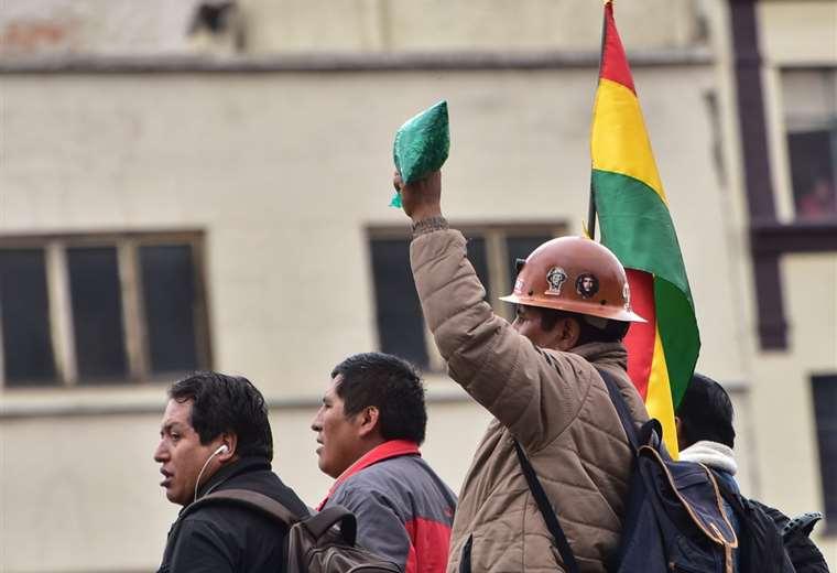 Un grupo numeroso de mineros llegó a La Paz en los últimos días. Foto: APG