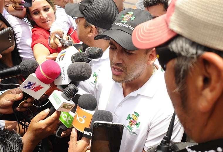 El dirigente cívico tuvo que volver ayer a Santa Cruz I Foto: APG Noticias.