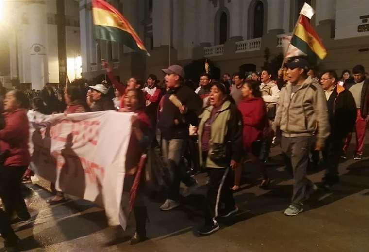 La gente salió a las calles a manifestarse