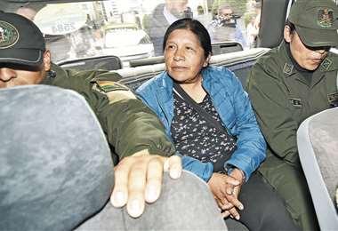 La expresidenta del TSE, María Eugenia Choque, a la espera de su audiencia de apelación. Foto: APG Noticias