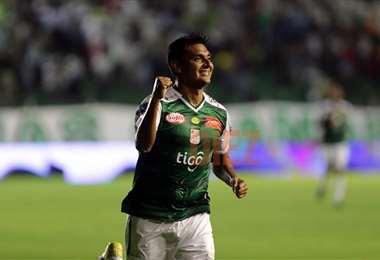 José Alfredo Castillo celebrando su gol. Foto: Jorge Gutiérrez
