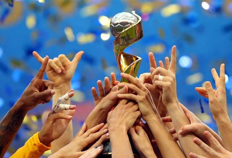 El máximo trofeo que reparte FIFA en el fútbol femenino. Foto: FIFA
