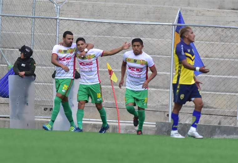 Erick Vásquez celebra el gol de Municipal Vinto que golpeó primero a Fatic. Foto: APG