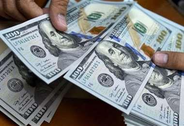 El cepo cambiario en Argentina también se mantendrá. Foto: Los mercados web
