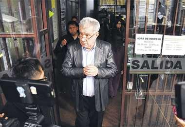Leopoldo Fernández dice que el país no vive una situación normal. En criterio del exprefecto de Pando se debe garantizar un gobierno con sólida legitimidad.