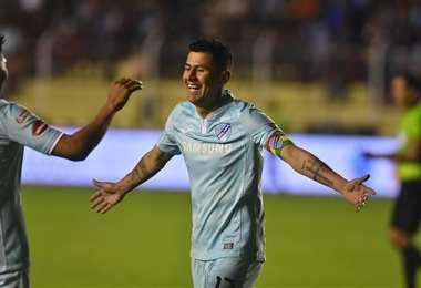 Juan Carlos Arce marcó el primer gol para la academia paceña, que sueña con el título. Foto. DIEZ