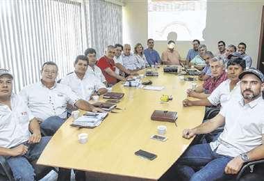 La reunión habitual de comercialización con el sector cañero, donde se coordina la política comercial