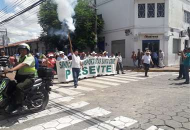 Marcha hacia el Concejo Municipal
