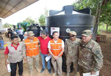La ayuda consiste en tanques de almacenamiento de agua, entre otros. Foto: Jorge Ibáñez