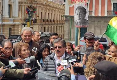 Los representantes se pronunciaron en plaza Murillo I Foto: ABI.