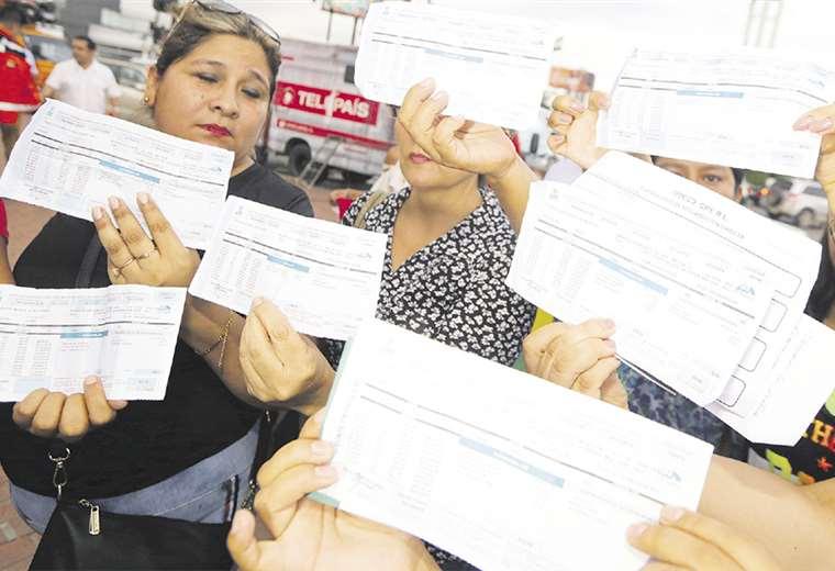 Las personas mostraron los fuertes incrementos en sus facturas
