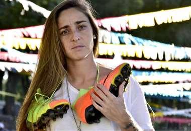 Macarena Sánchez, la primera futbolista profesional de argentina. Foto: Internet
