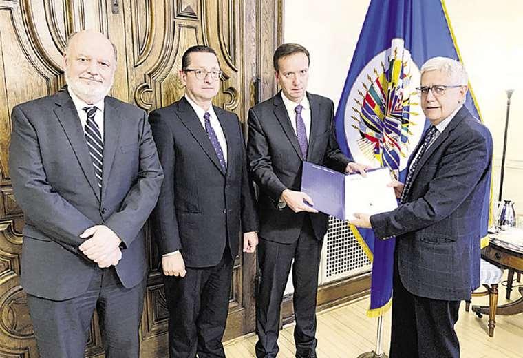 El senador Óscar Ortiz dijo que se debe corregir la manipulación informática en el TSE