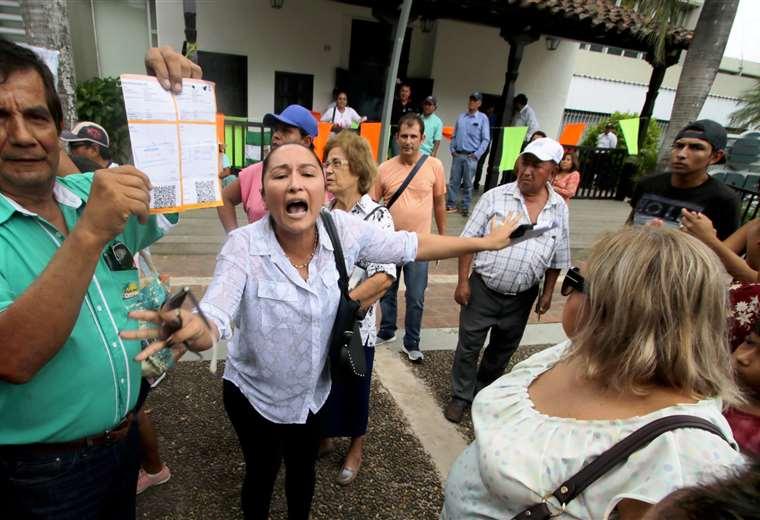 Los vecinos de Santa Cruz hicieron una toma simbólica de las instalaciones de CRE en Santa Cruz. Foto: Hernán Virgo