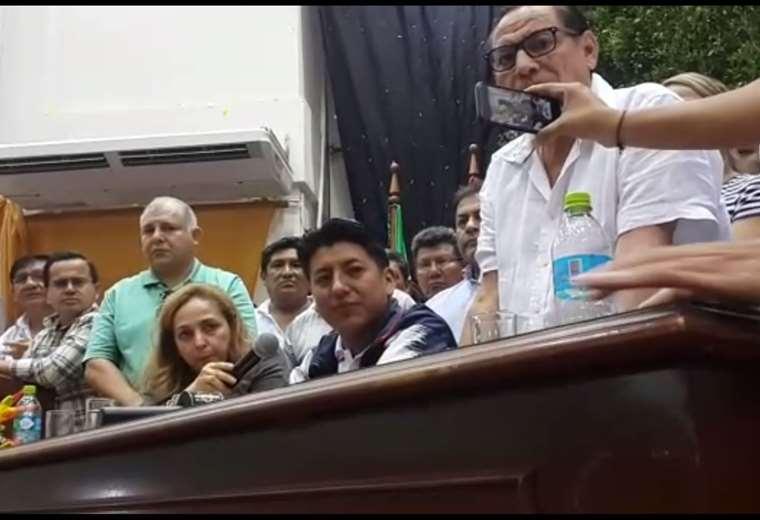 Pumari en la conferencia de prensa en la UAGRM (captura de video)