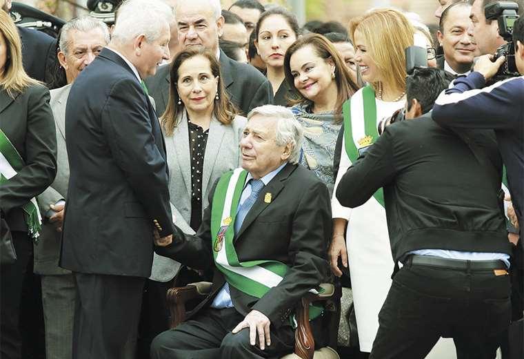 El gobernador Rubén Costas y el alcalde de Santa Cruz de la Sierra, Percy Fernández, están en el poder desde 2005. Foto: Fuad Landívar