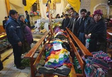 Los cuerpos de algunas víctimas de Senkata fueron velados en una capilla de esta zona alteña. Foto: APG