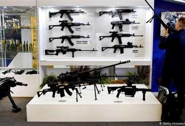 Exhibición de fusiles en París