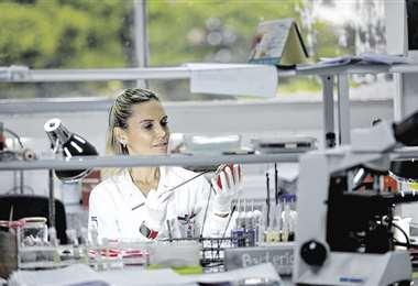 Hay muchos logros en diagnóstico, pero aún deben mandarse a otros países por los altos costos de equipos