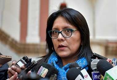 La exministra López está asilada en Argentina junto al expresidente Morales.