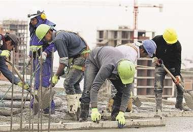 En la actualidad, el salario mínimo nacional es de Bs 2.122. La COB pide para esta gestión un alza del 15%. Foto: Hernán Virgo