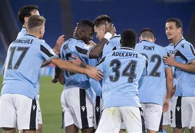 Los jugadores de Lazio celebran el triunfo ante Cremonese. Foto. Internet